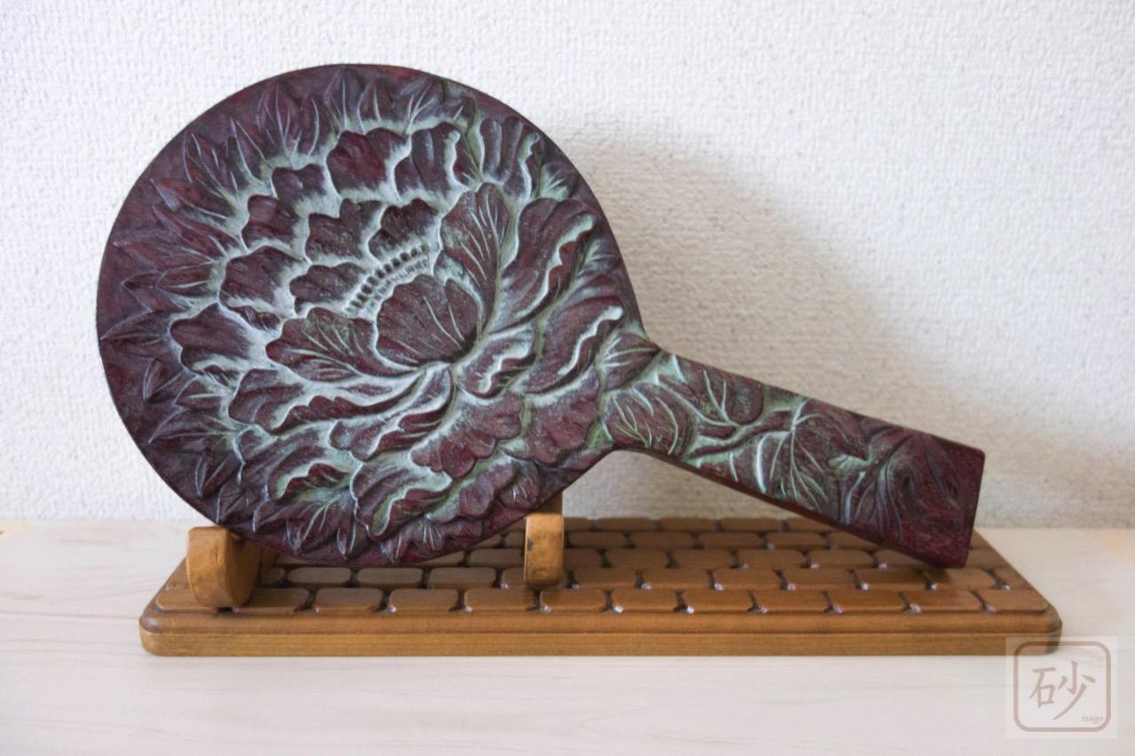 木彫りの手鏡2種と台座