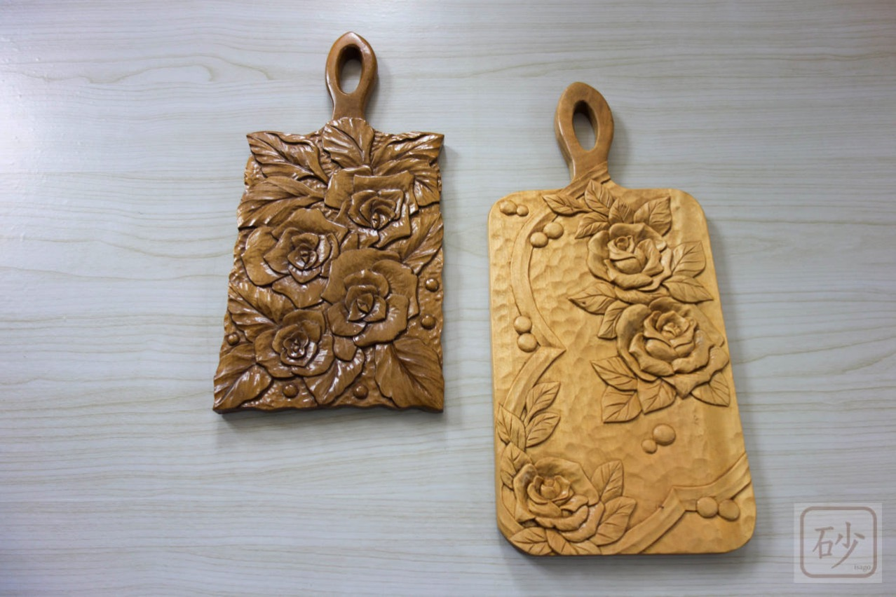 木彫りのチーズカッター台 バラ2種
