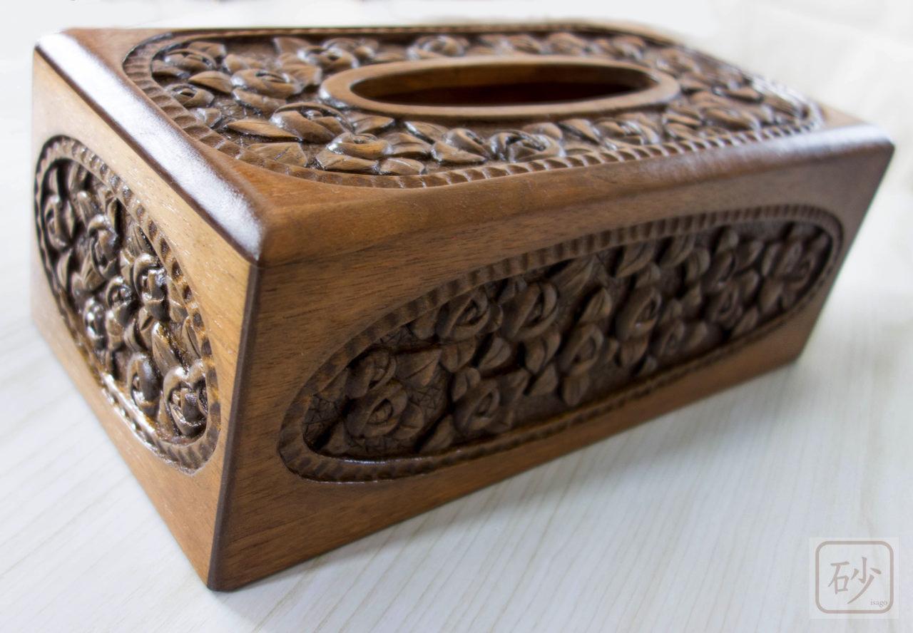 木彫りのティッシュペーパーケース 小バラ
