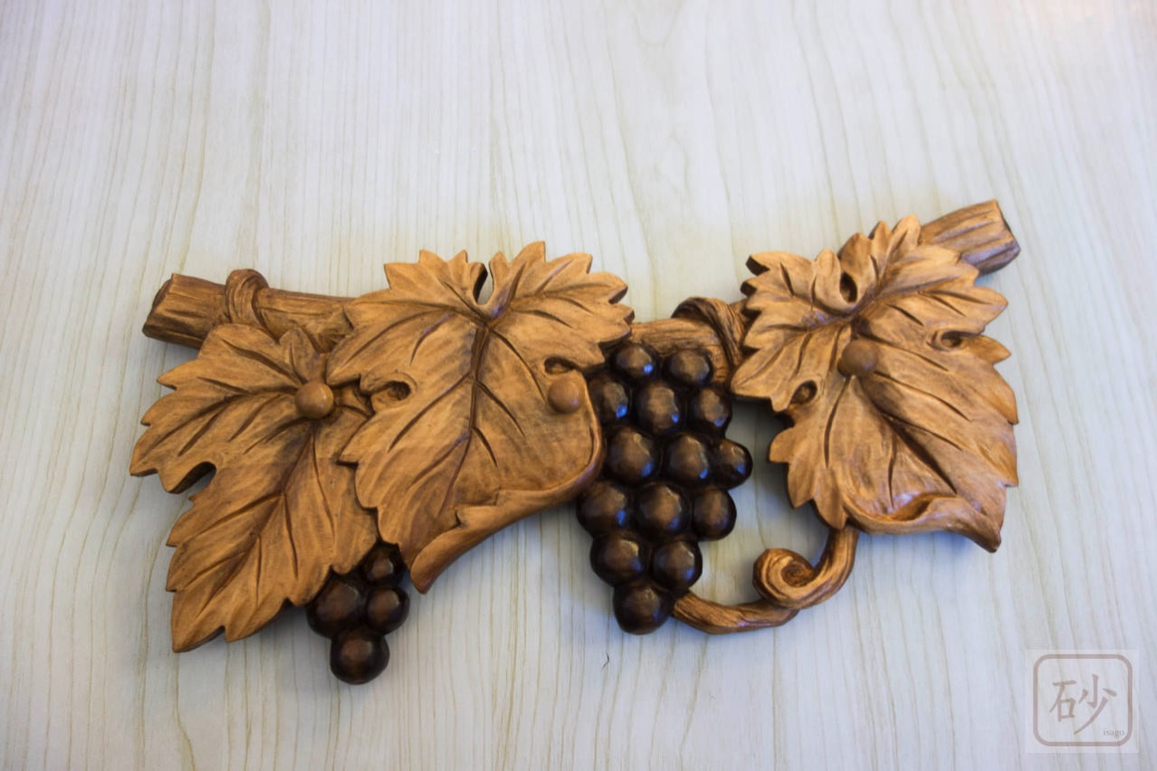 木彫りのキーフック ブドウ