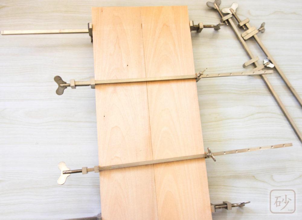板と板を貼り付ける道具 ハタガネの使い方【木彫り道具】