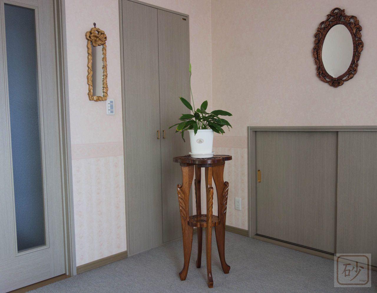 木彫り クレマチスの脚長花台