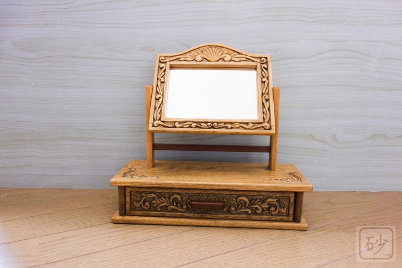木彫りの姫鏡台