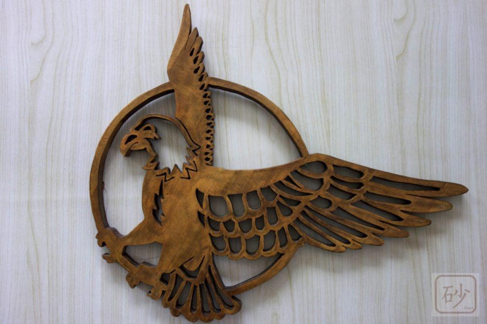 木彫りのレリーフ 鷲