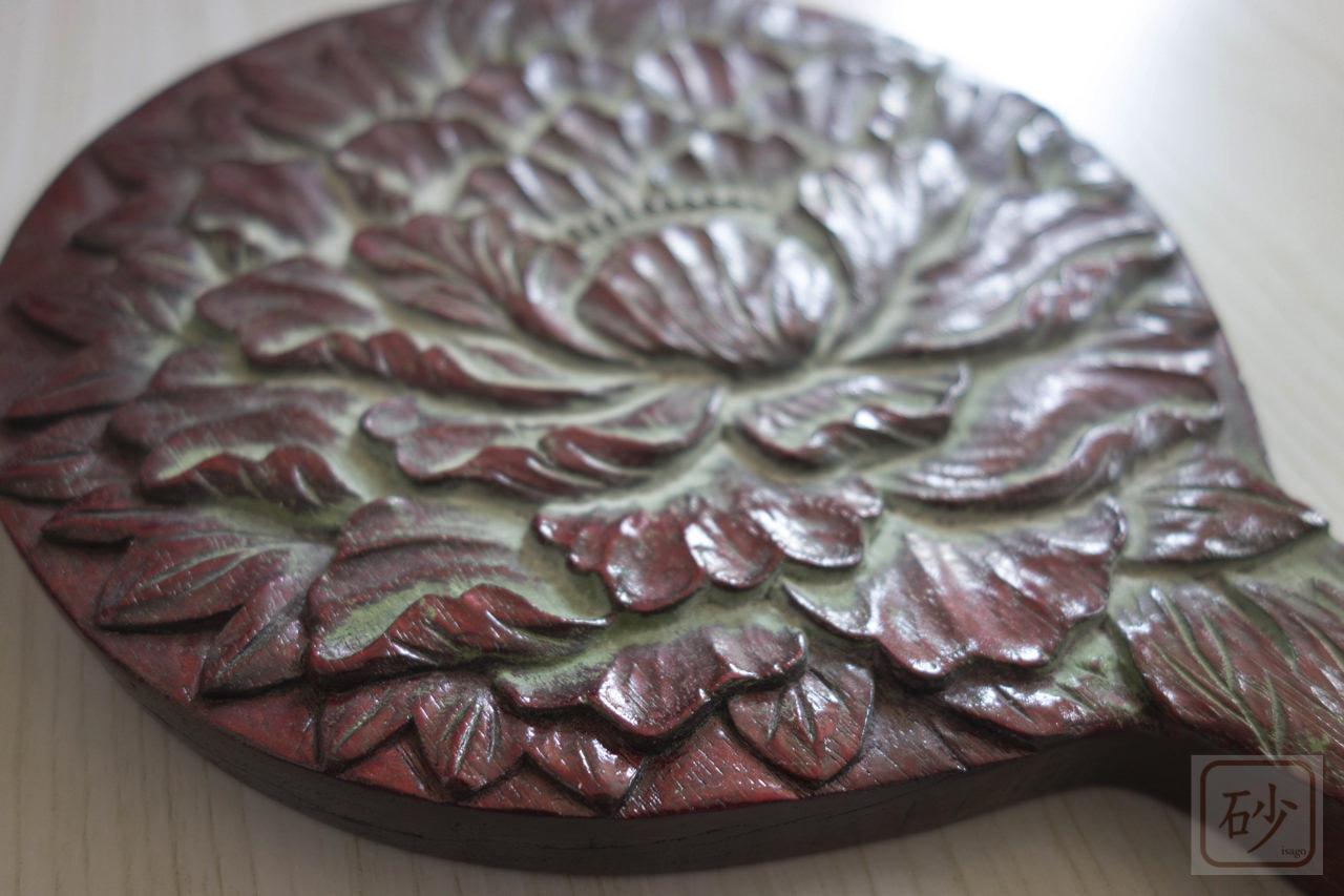 木彫りの手鏡