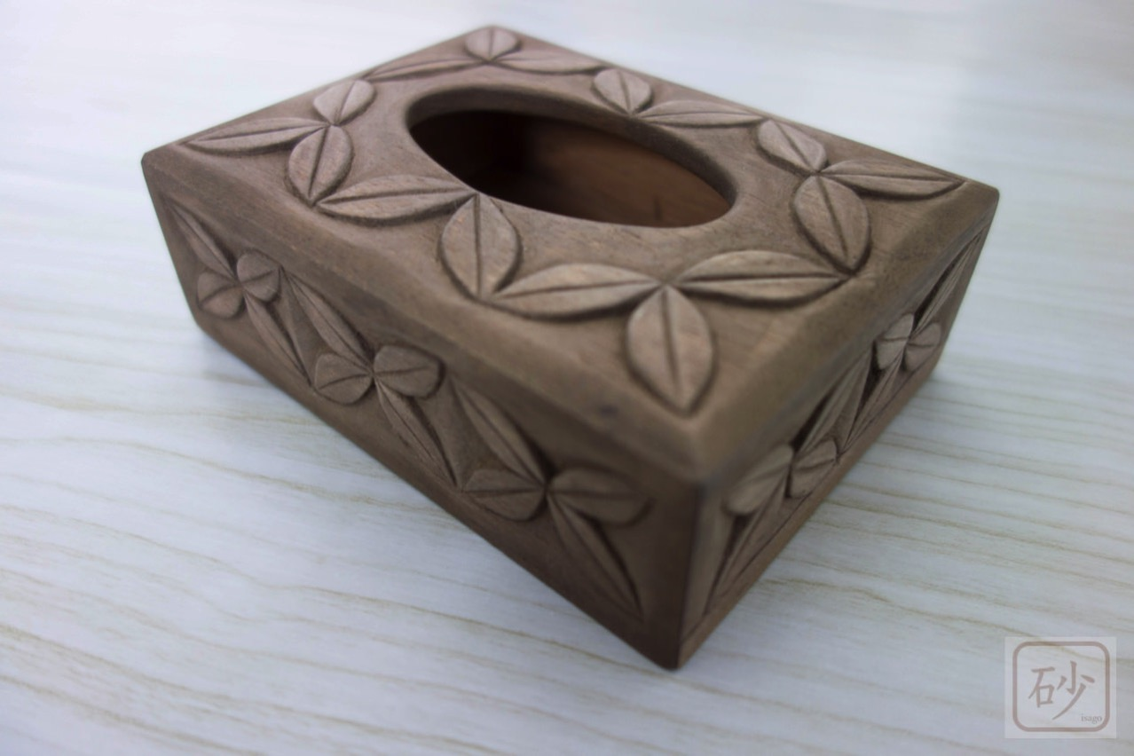 木彫りのポケットティッシュケース