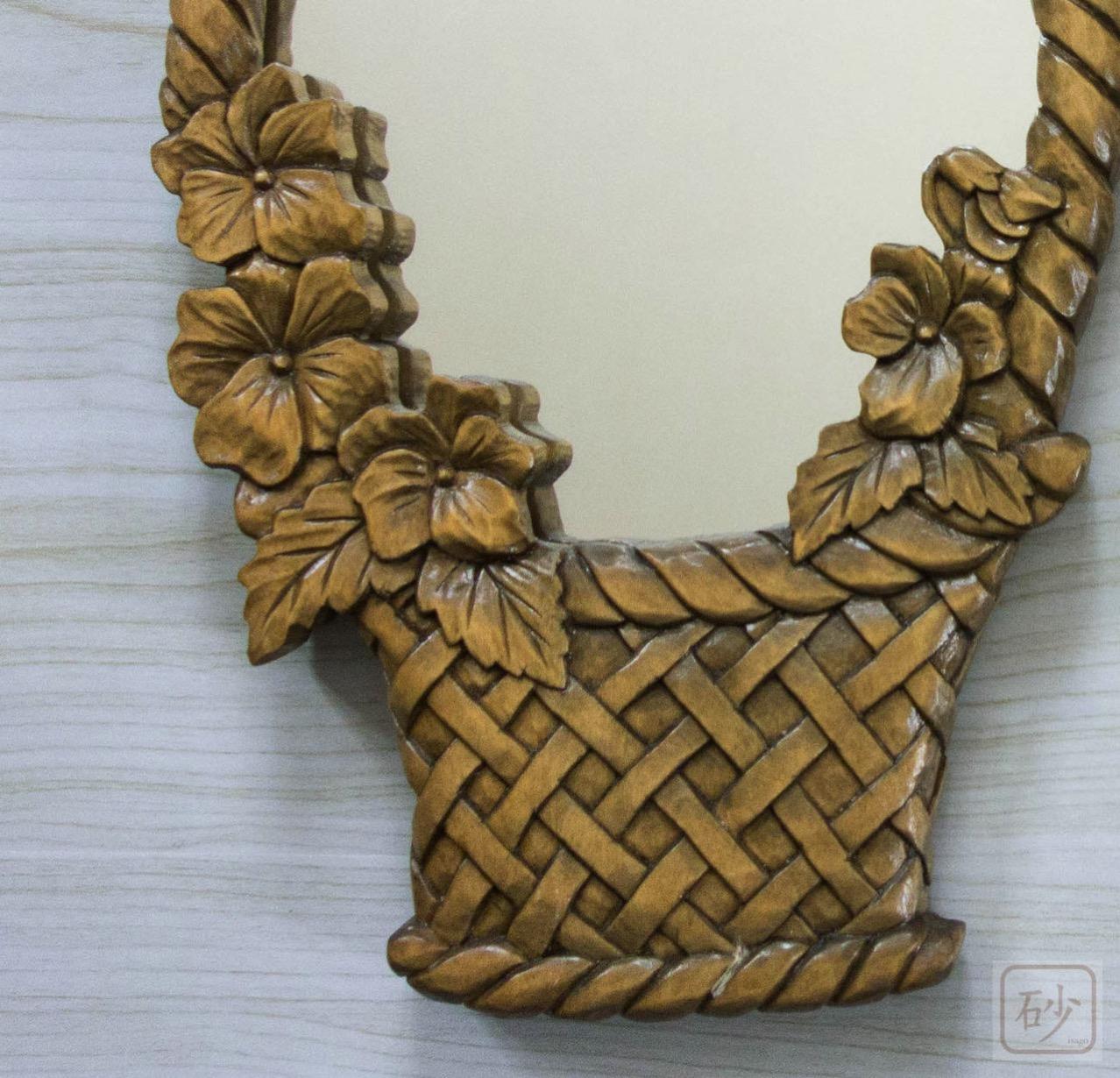 木彫りの鏡