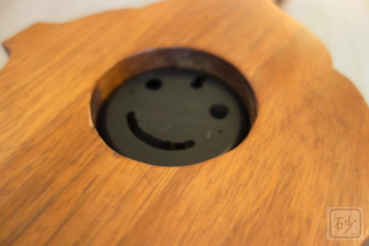 木彫りの温度計