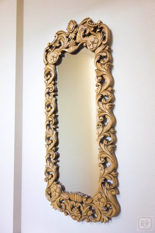 アカンサスの壁掛け鏡