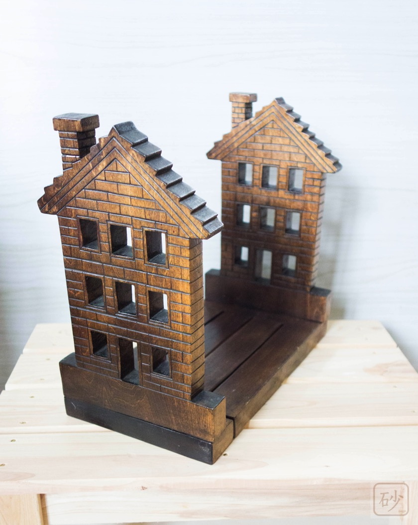 ブックエンド レンガの家