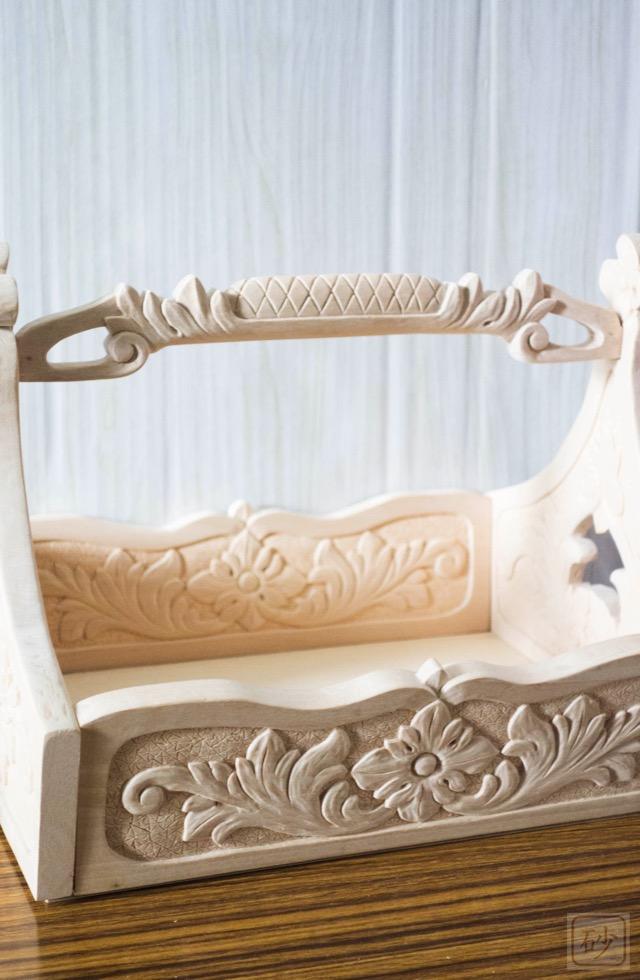 木彫りのおかもち アカンサス