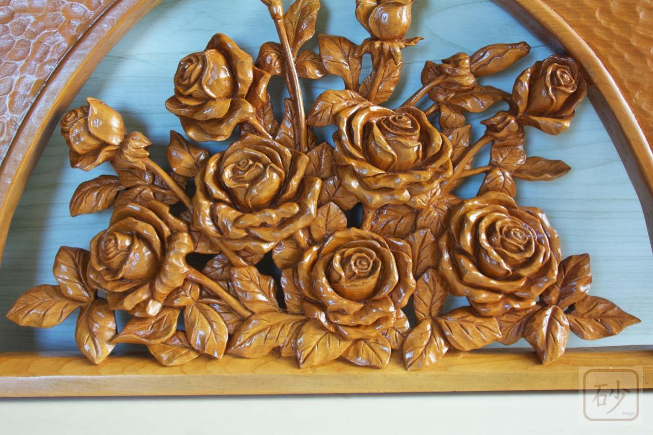 木彫りのレリーフ バラ