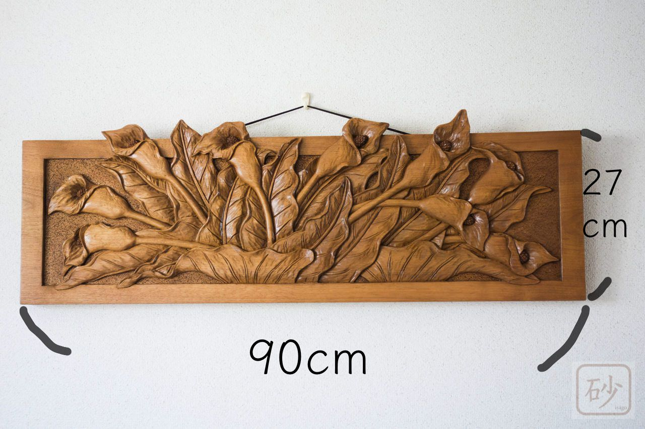 木彫りのレリーフ