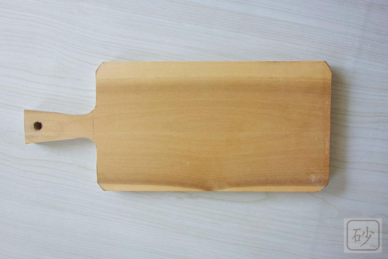 木彫りのカッティングボード