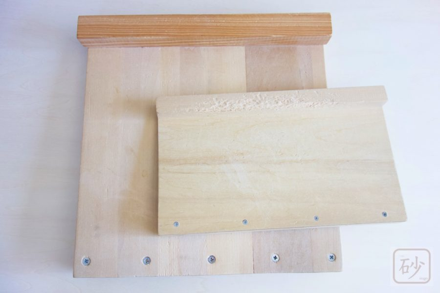 自作した木彫り作業台