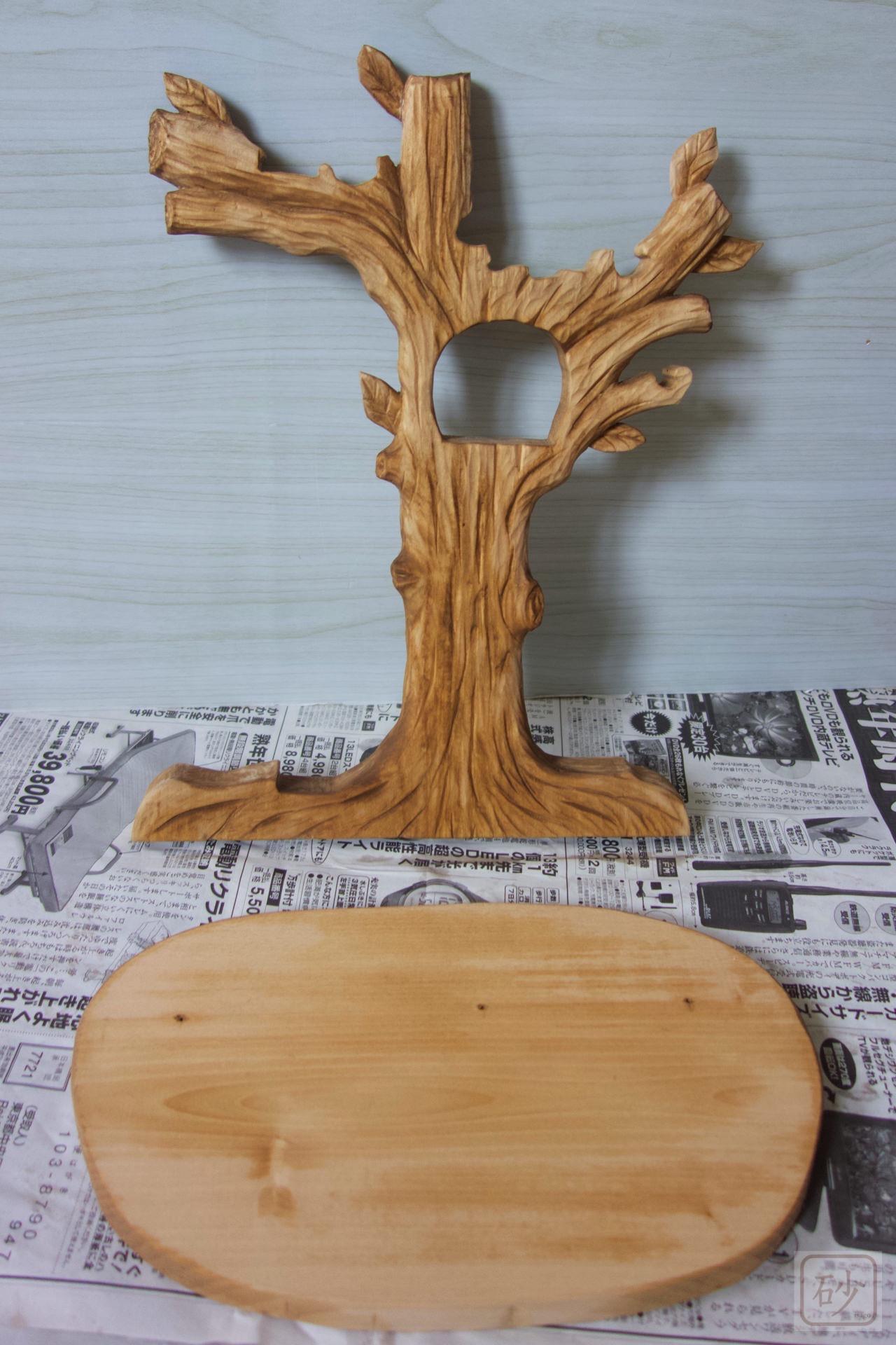 木彫りのバナナスタンド色付け