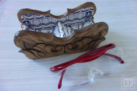 木彫りのハズキルーペ置きを作ってみた