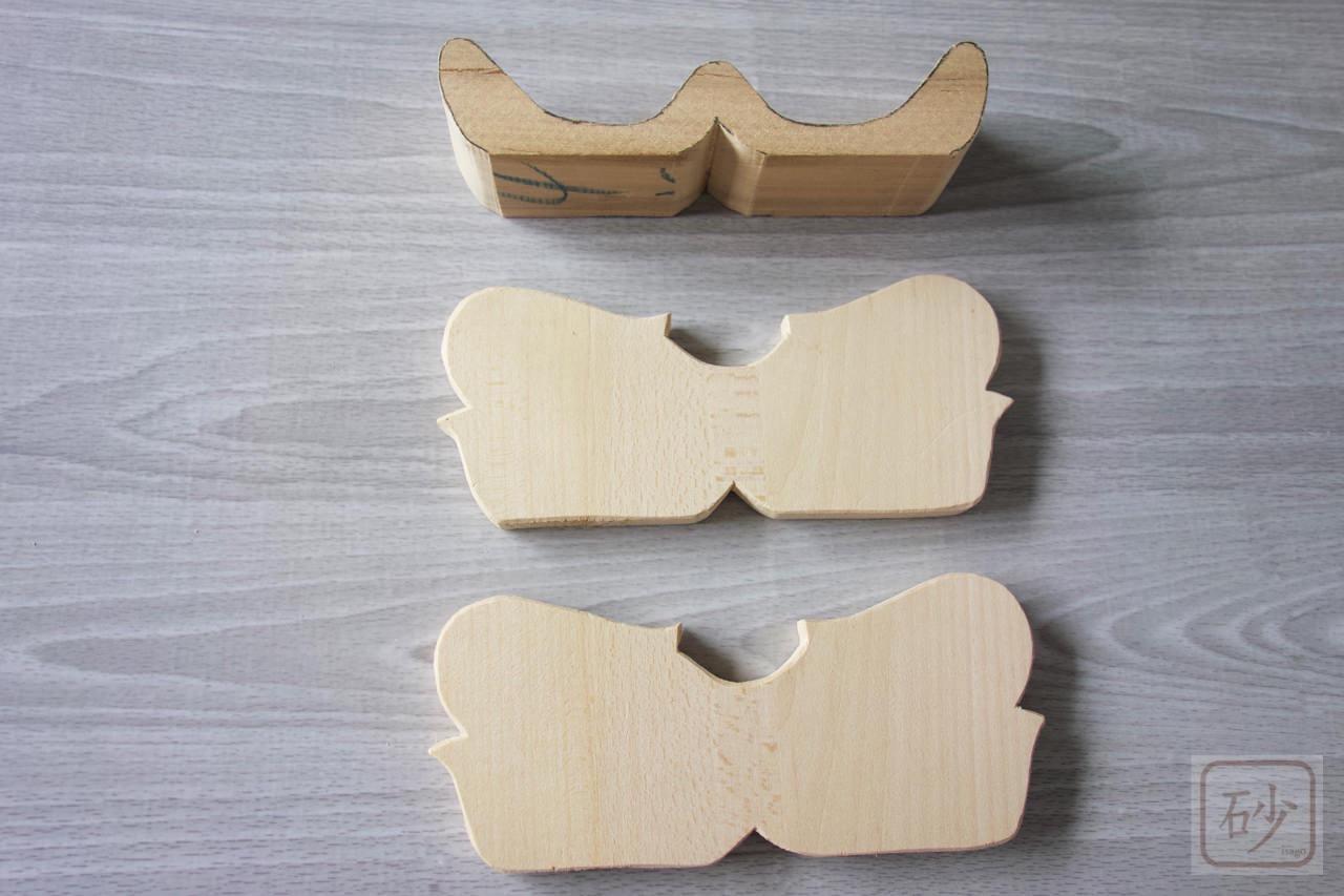 木彫りのハズキルーペ置き