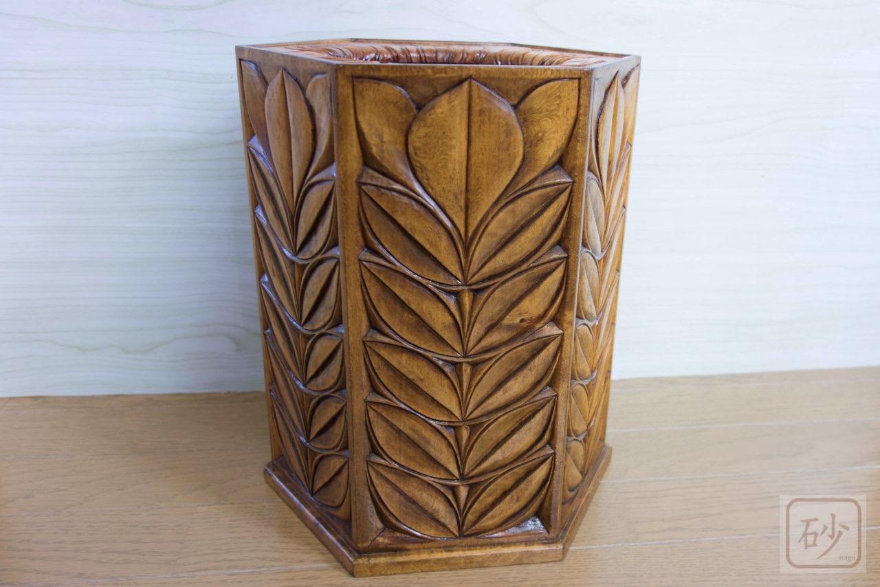 木彫りのゴミ箱 葉っぱ柄