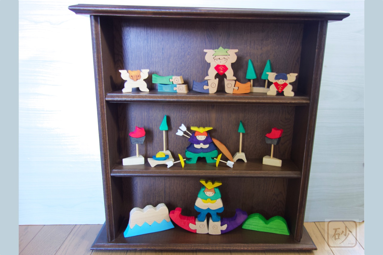 端午の節句 組み木の五月人形を壁掛けにする【飾り棚】