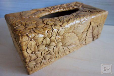 木彫りのティッシュケース あじさい