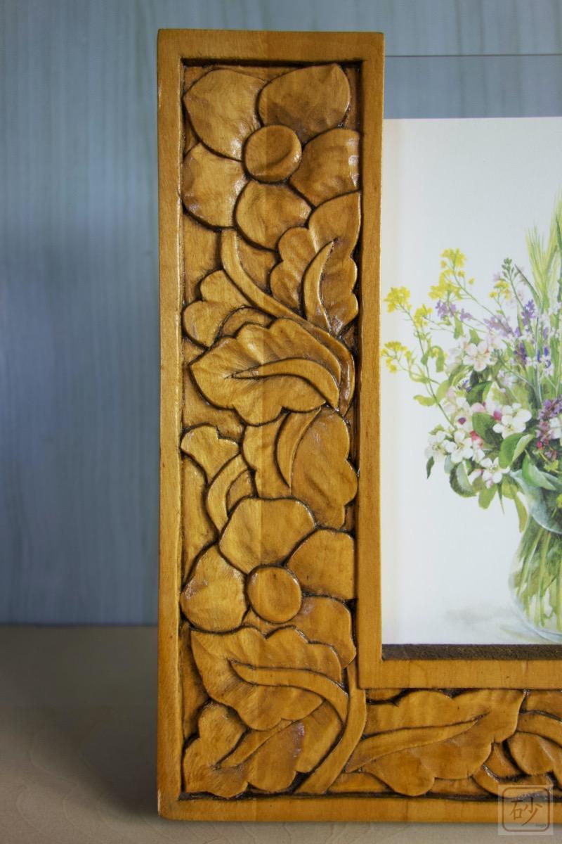 木彫りのL字型写真立て