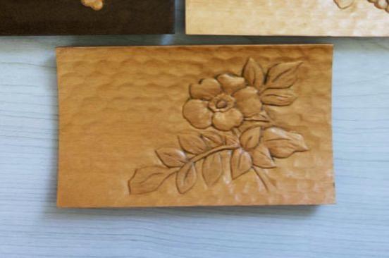 木彫りのおしぼりトレー