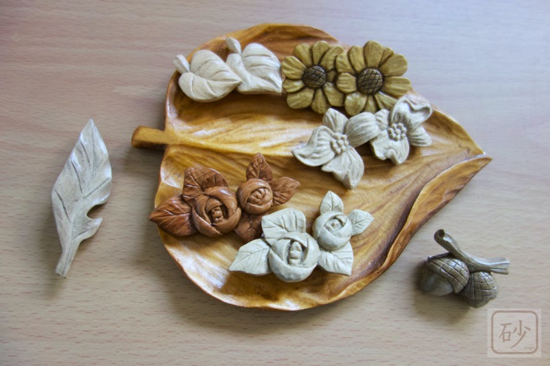 Wood carving dogwood brooch05