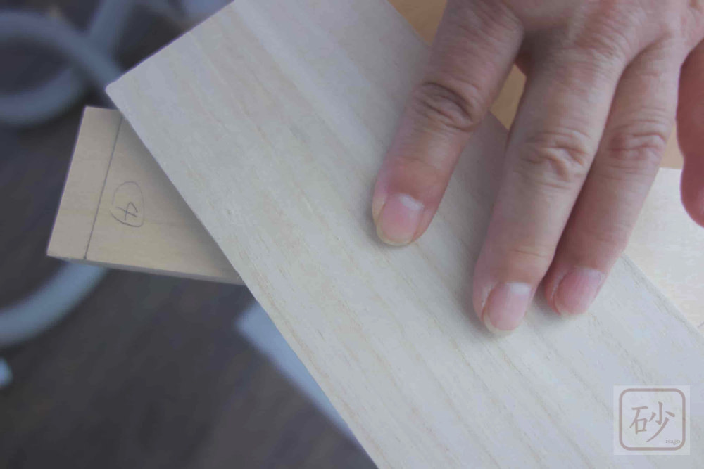 額縁の45度カットに挑戦する【木彫り道具】