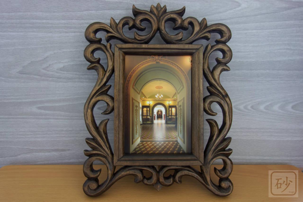 木彫りフォトフレーム 縦型透かし彫り
