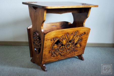木彫りマガジンラック