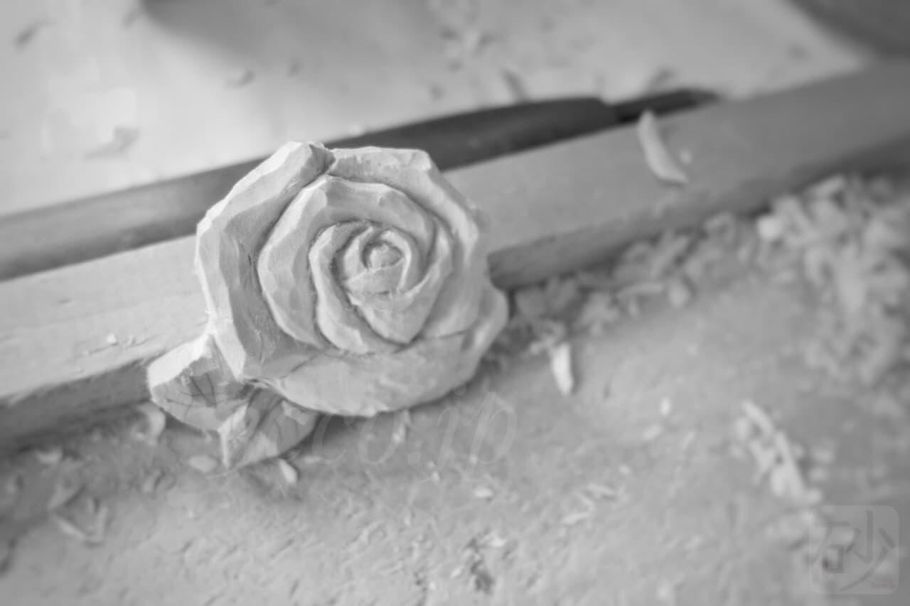 木彫りで『薔薇』を彫って研究する