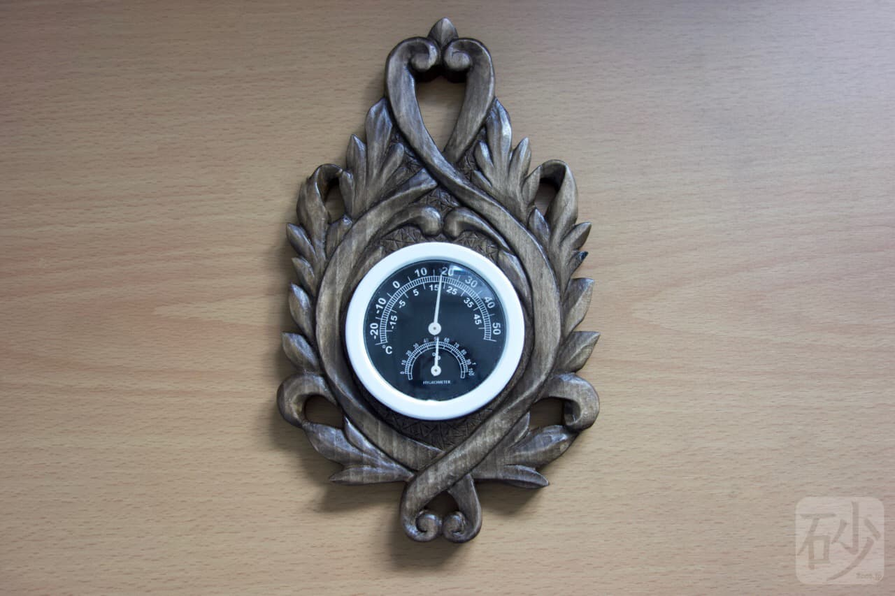 木彫りの壁掛けアカンサス温度計
