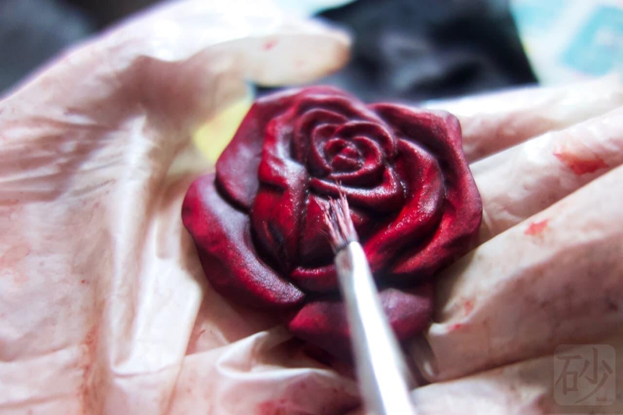 薔薇色付け